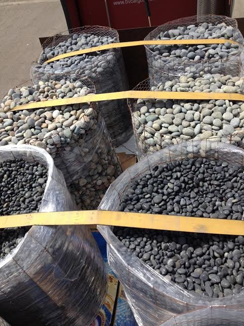 Beach Pebble Pallets - Black Landscape Pebbles