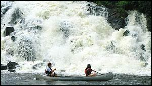 WHITEWATER KAYAKING + CANOEING