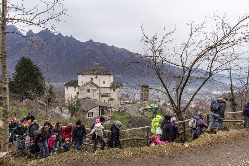 Parco di Babbo Natale e veduta Lago Maggiore