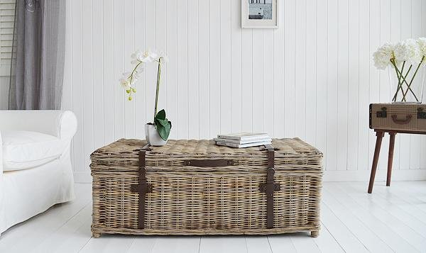 White Cottage coffee table with storage for living room furniture