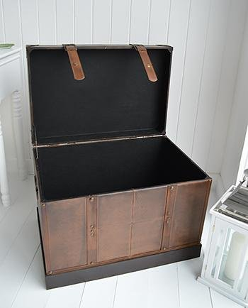 Panama Storage trunk for hall furniture open