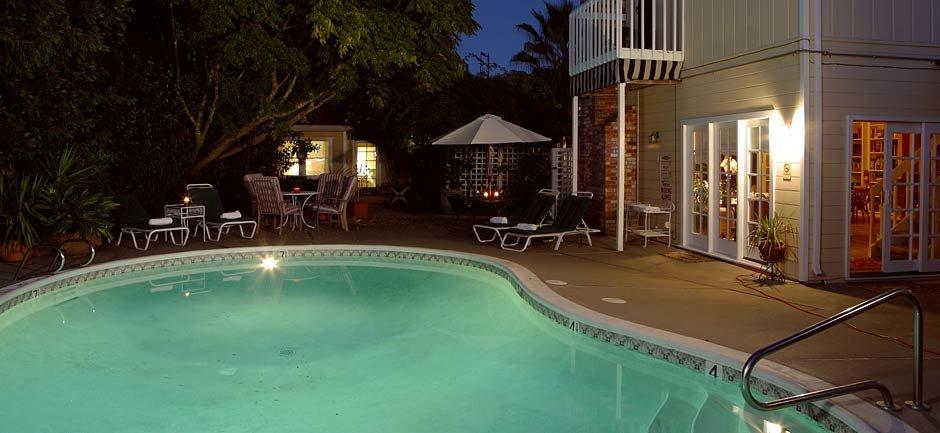 chelsea garden inn pool