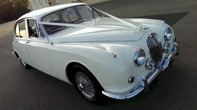 Jaguar Mk2 viewed at an angle