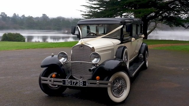 Bramwith Limousine by the river