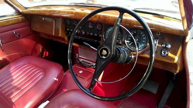 Jaguar Mk2 interior view
