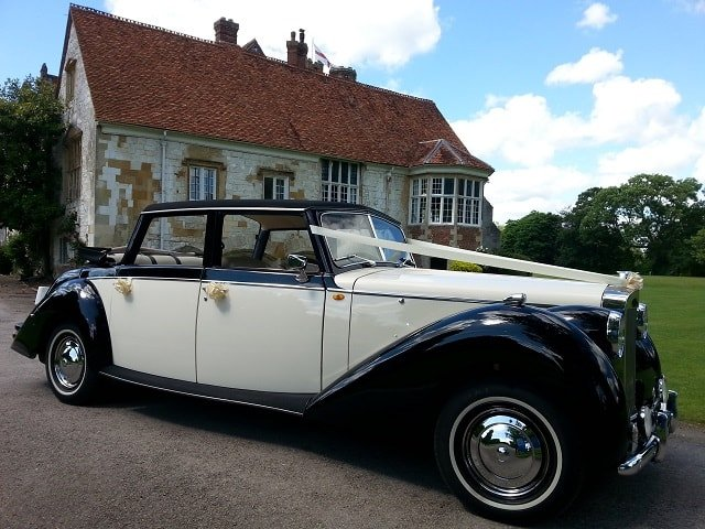 Royale Windsor Wedding Car