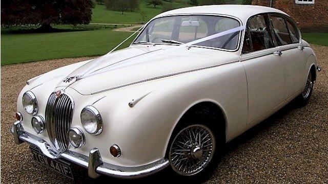 1968 Jaguar Mk2 wedding car in Old English White