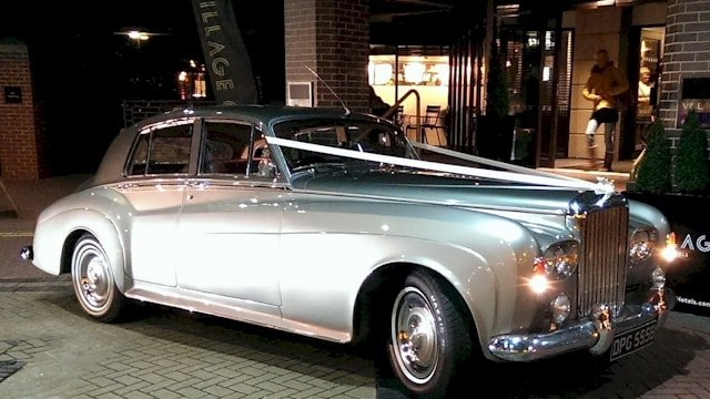 Bentley S3 evening wedding in Swindon